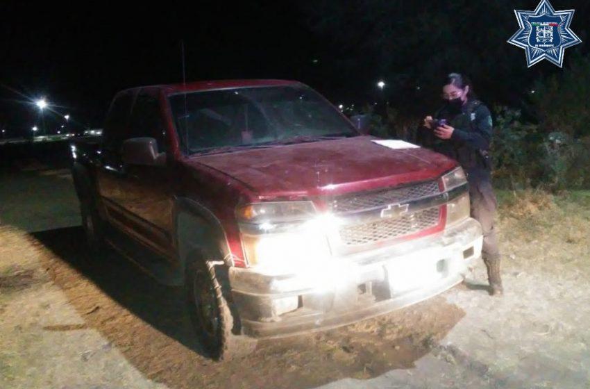 Policías de El Marqués recuperan vehículo robado