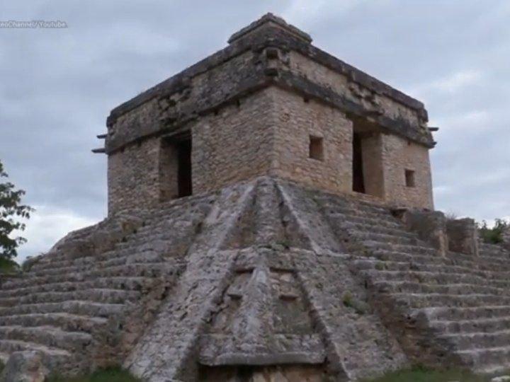 Significados ocultos de una ciudad maya: zona arqueológica de Dzibilchaltún