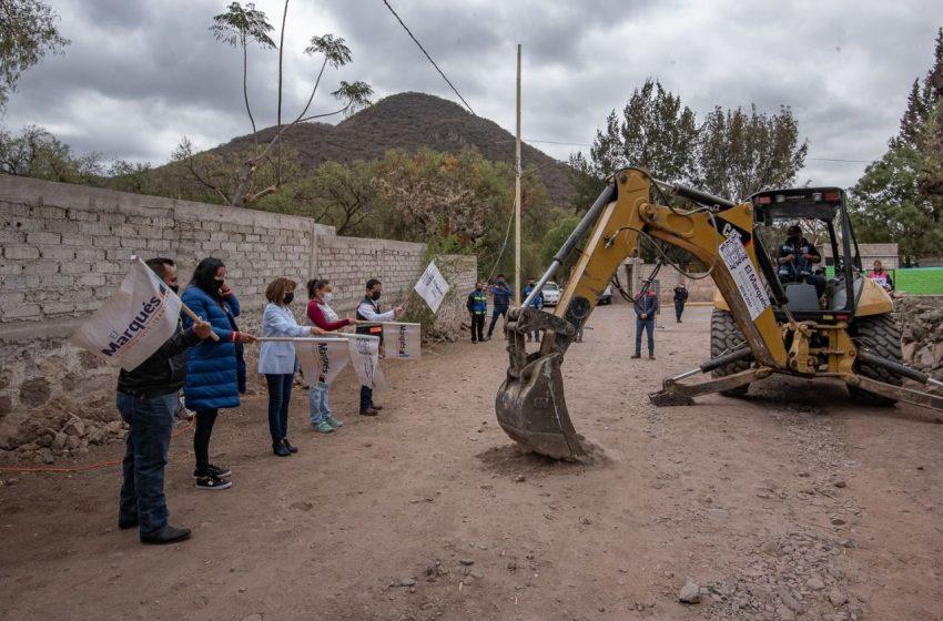 Arrancan obras de urbanización en comunidades Presa del Carmen y Santa María de los Baños, El Marqués