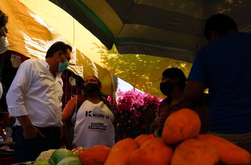 Mauricio Kuri recorre la localidad Jesús María en El Marqués
