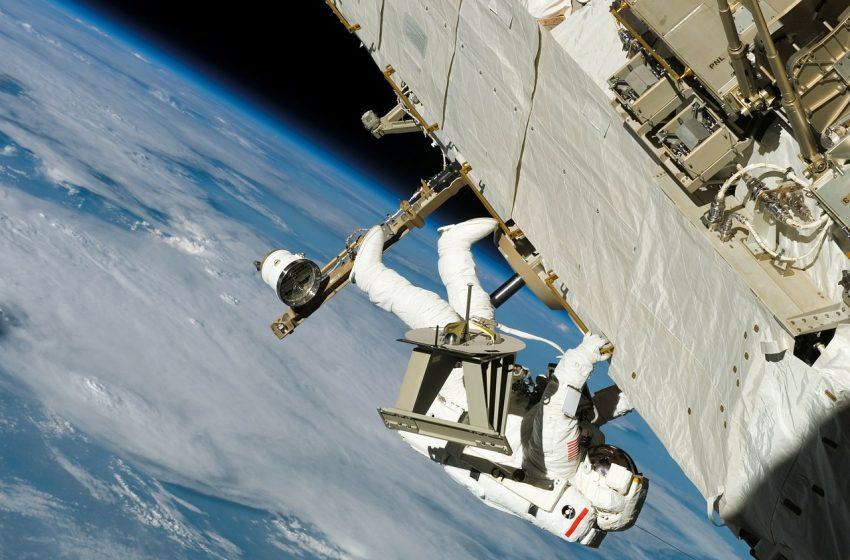 México debe ingresar a la exploración espacial con tecnología propia