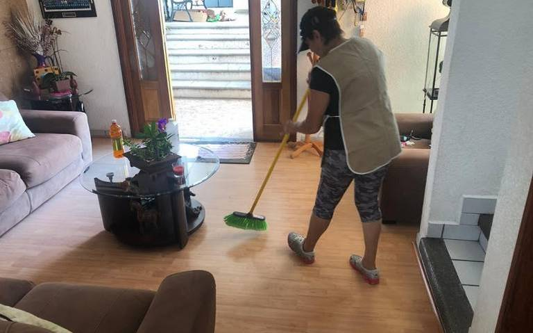 """""""Ni chachas, ni criadas"""": las trabajadoras domésticas luchan por profesionalizar su labor"""