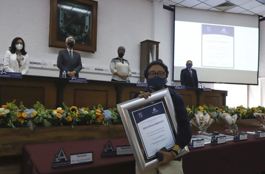 Entrega UAQ Premio Alejandrina a la Investigación 2020