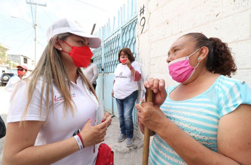Lupita Cárdenas se compromete a solucionar problemas de alumbrado público en La Piedad