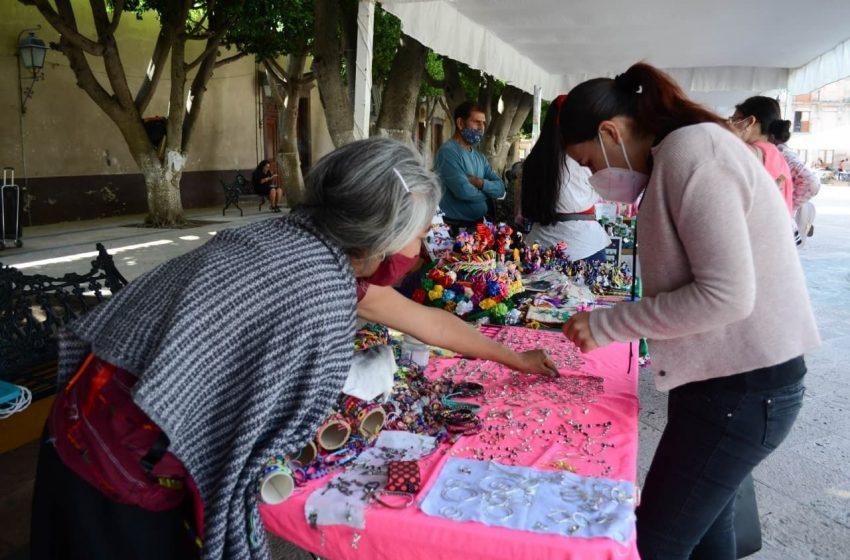 Inicia Feria Artesanal en el Jardín Guerrero