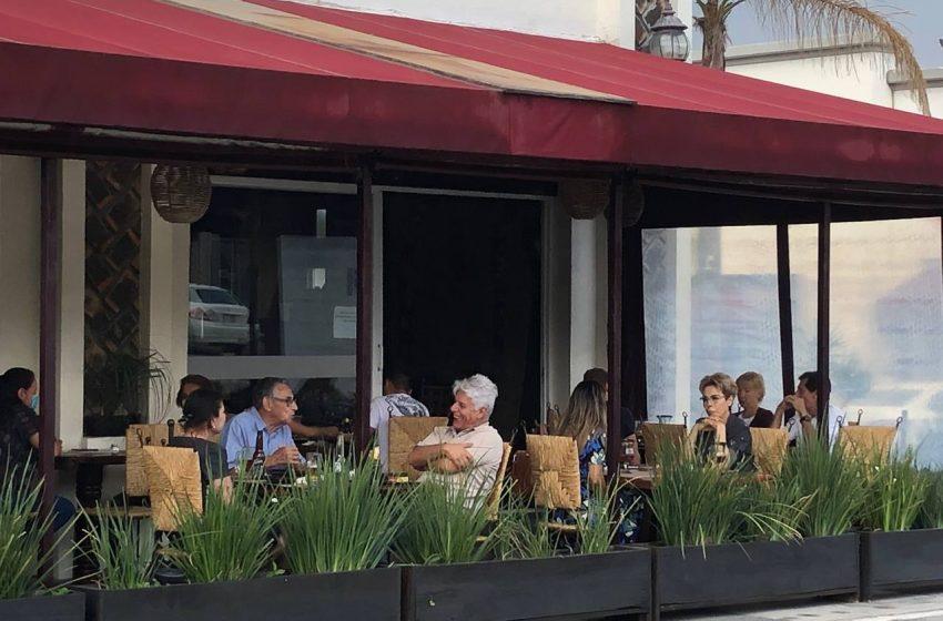 Previo a festejo del Día de la Madre, familias aprovechan escenario A para acudir a restaurantes