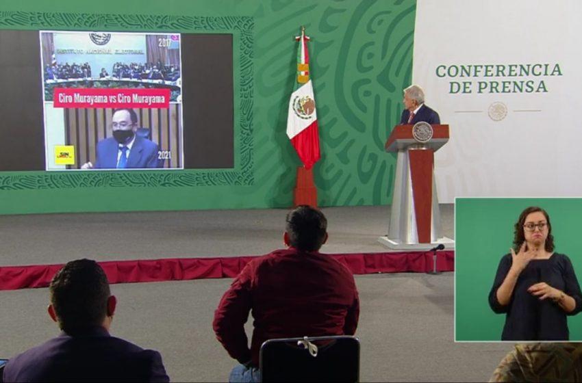 Exhibe López Obrador supuesta contradicción de consejeros del INE sobre tarjetas