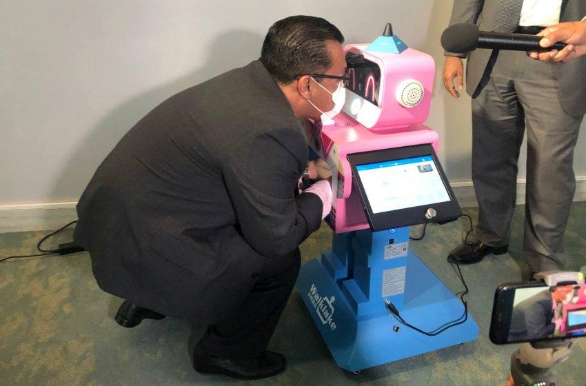 """Conoce a """"Benebot"""", el robot de inspección sanitaria que ayudará a identificar enfermedades en escuelas"""