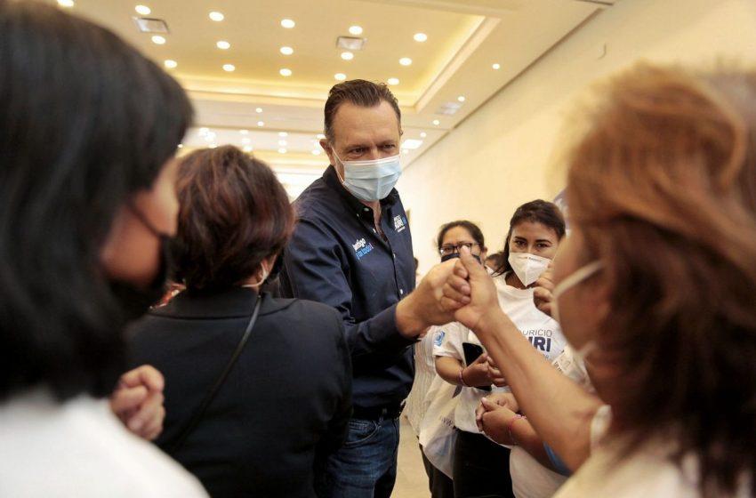 Kuri refrenda apoyos a mujeres en reunión con madres de San Juan del Río