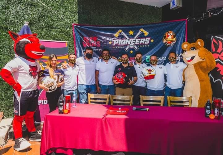 Universidad de Arkansas y Pioneros de Querétaro preparan campamento para jóvenes jugadores