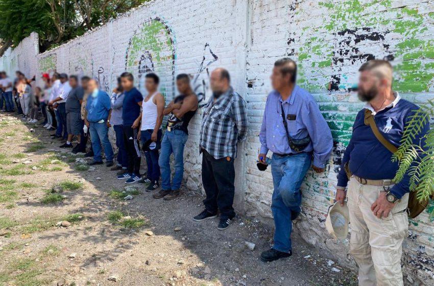 Arrestan a 23 personas en La Negreta por intimidar a votantes