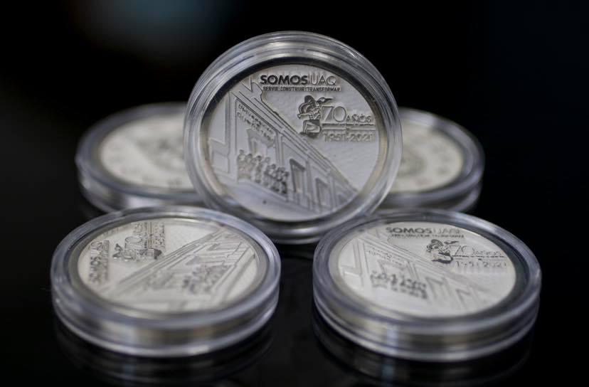 Lanzan moneda para conmemorar 70° aniversario de la UAQ