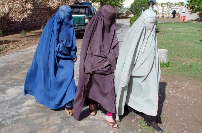 Así amenaza el Régimen Talibán a las mujeres afganas