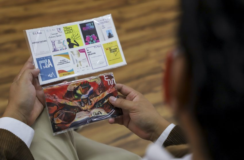 Integra UAQ catálogo artístico con 200 obras universitarias