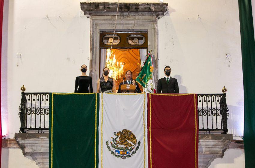 Francisco Domínguez preside su último Grito de Independencia