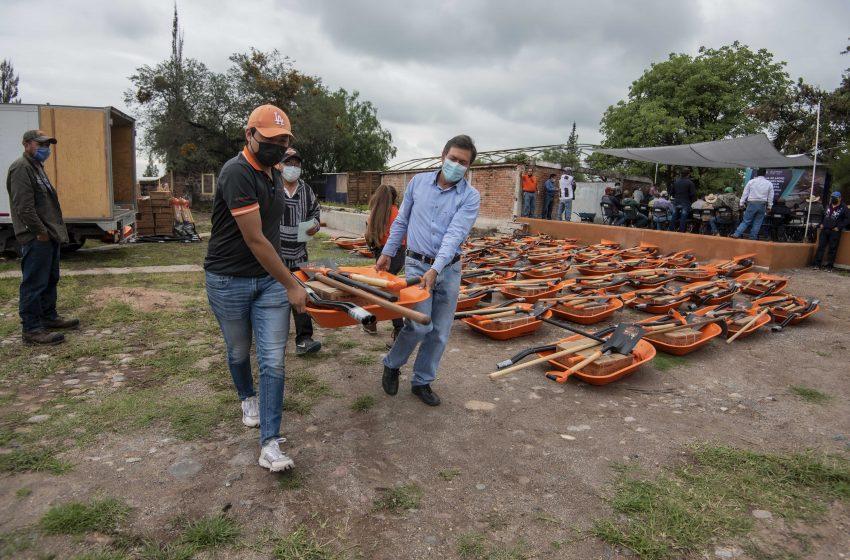 Municipio de El Marqués entrega apoyos productores agrícolas y ganaderos