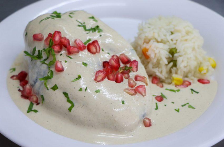 Restaurante- escuela de la UAQ recrea el tradicional Chile en Nogada