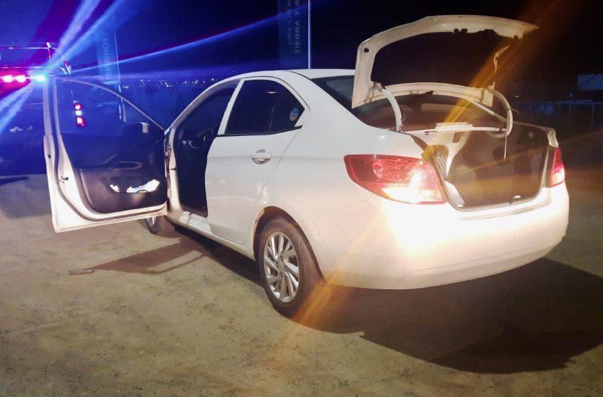 Evita policía del El Marqués robo de taxi ejecutivo