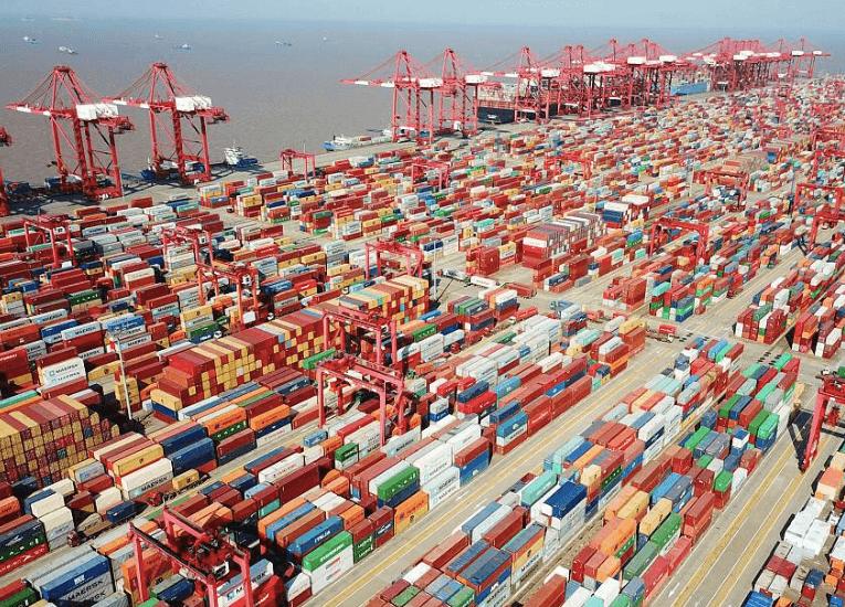 Mercancía atrapada en China, la otra causa de la crisis